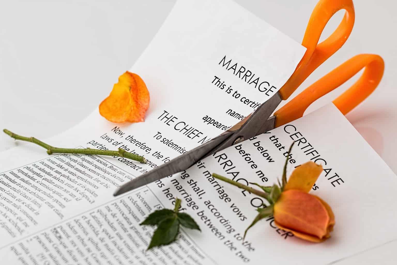 Elmarad az esküvő