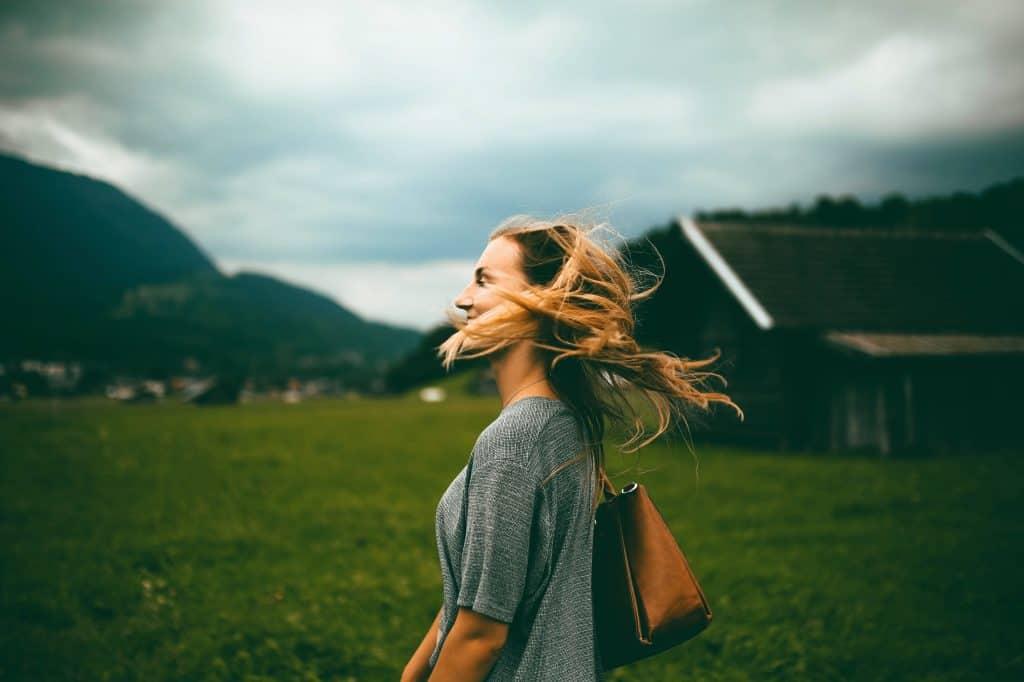 A stressz, a szorongás, a panaszkodás, a negatív környezet, a beszólások, a megítélések mind-mind nagyon le tudják húzni az energiánkat.